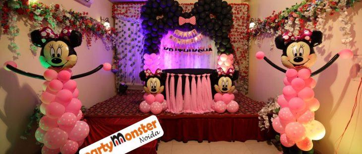 Minnie mouse themed decor